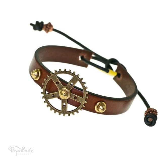 A simple brown gear bracelet made of genuine leather by Popnicute Jewelry. This bracelet is fun and simple for daily wear. Looks great stacked with other bracelets.
