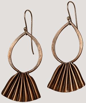 Copper fan earrings. Art Jewelry by Popnicute Jewelry.